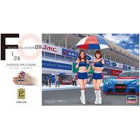 1/24 PADDOCK GIRLS FIGURE (Two kits in the box)